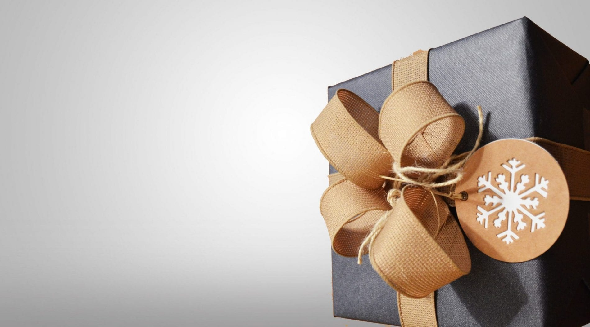 10 Last Minute Gift Ideas For The Traveler On Your List