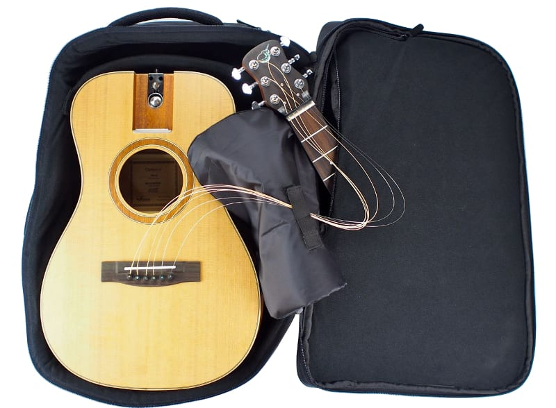 travel_guitar_backpack_with_travel_guitar_of410