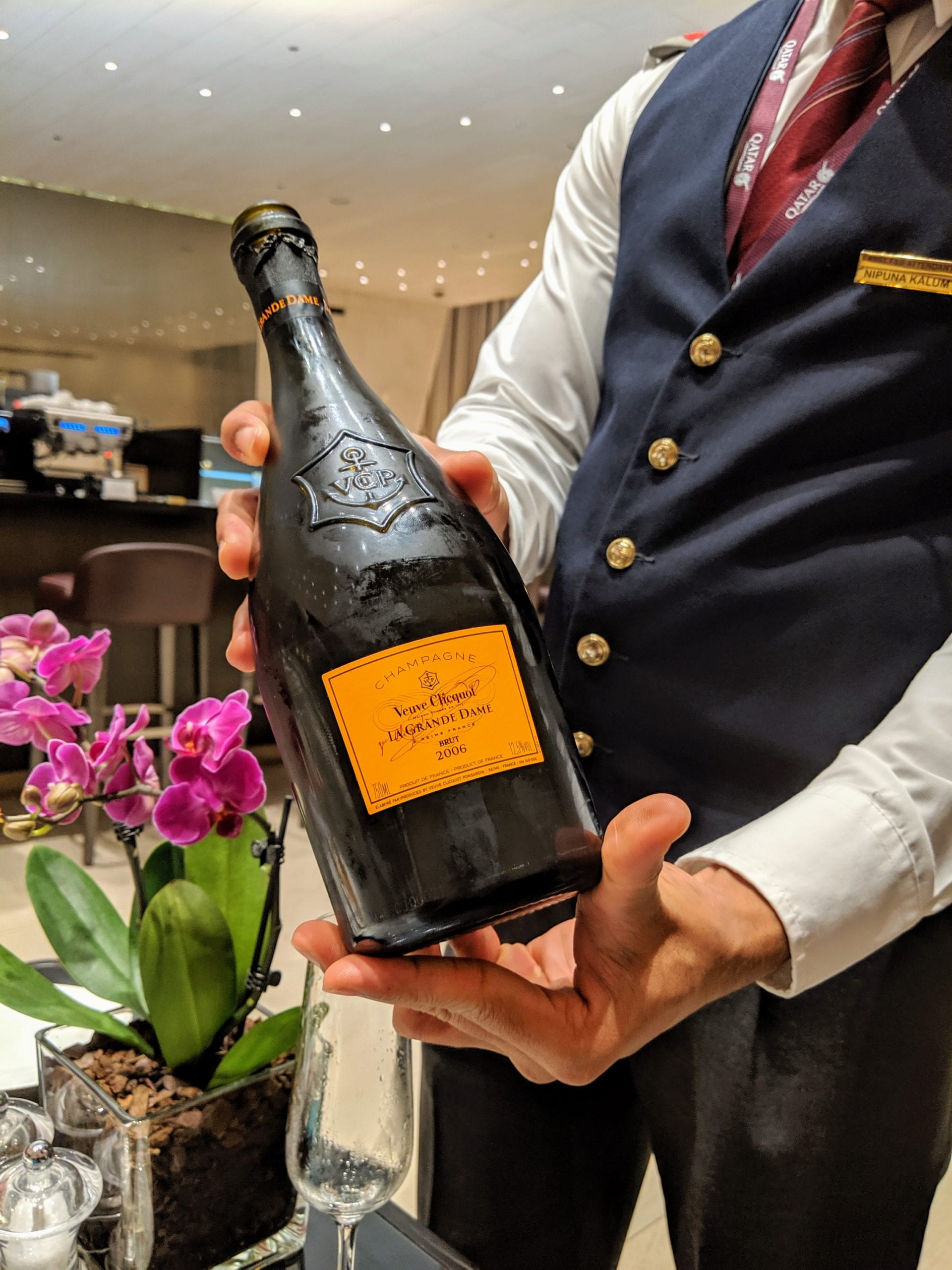 qatar airways veuve clicquot