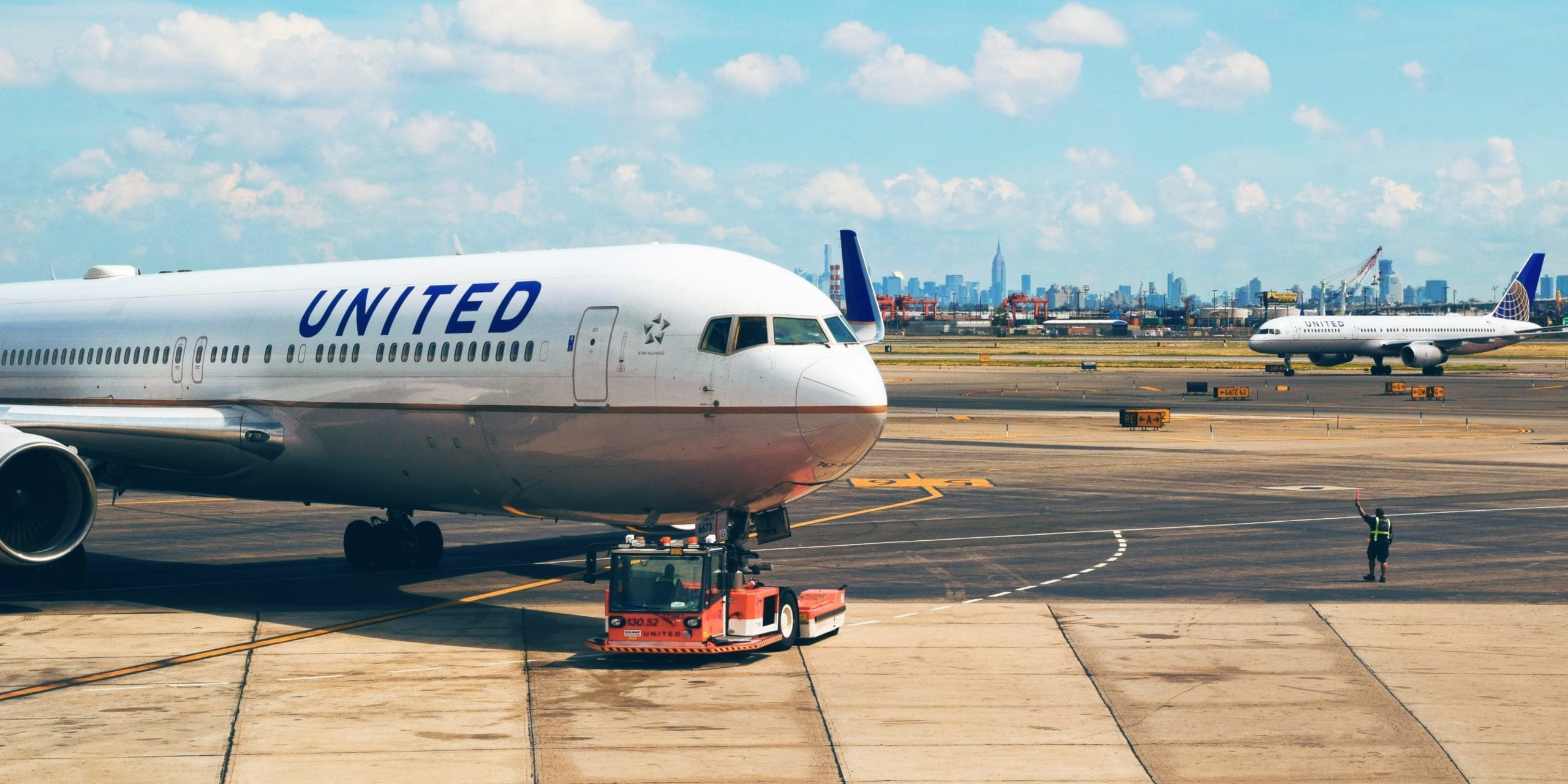 United Will Start Serving Food on 8+ Hour Flights to Hawaii