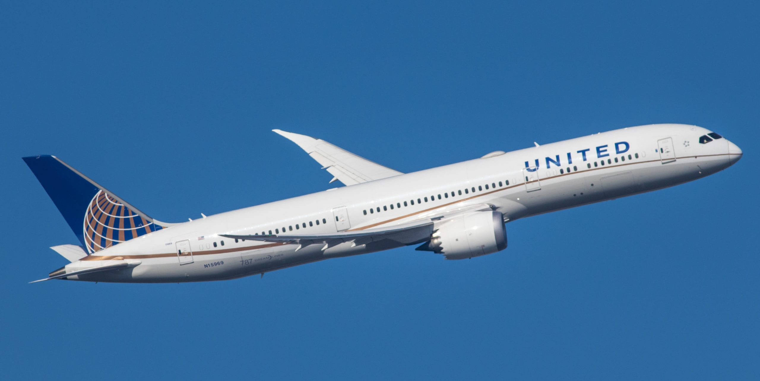 United Matches Delta, Extends Premier Status by One Year