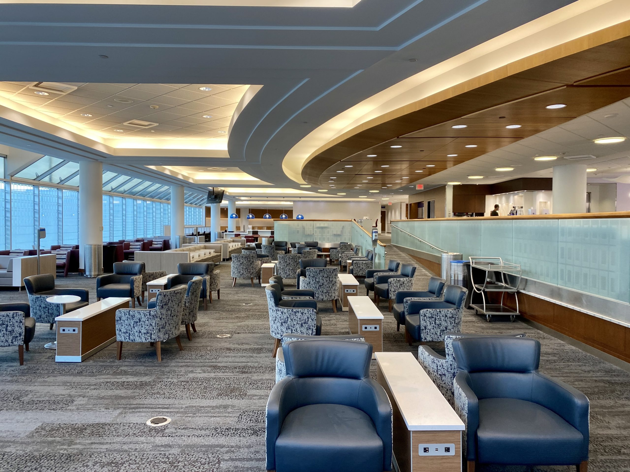 airport lounges covid-19