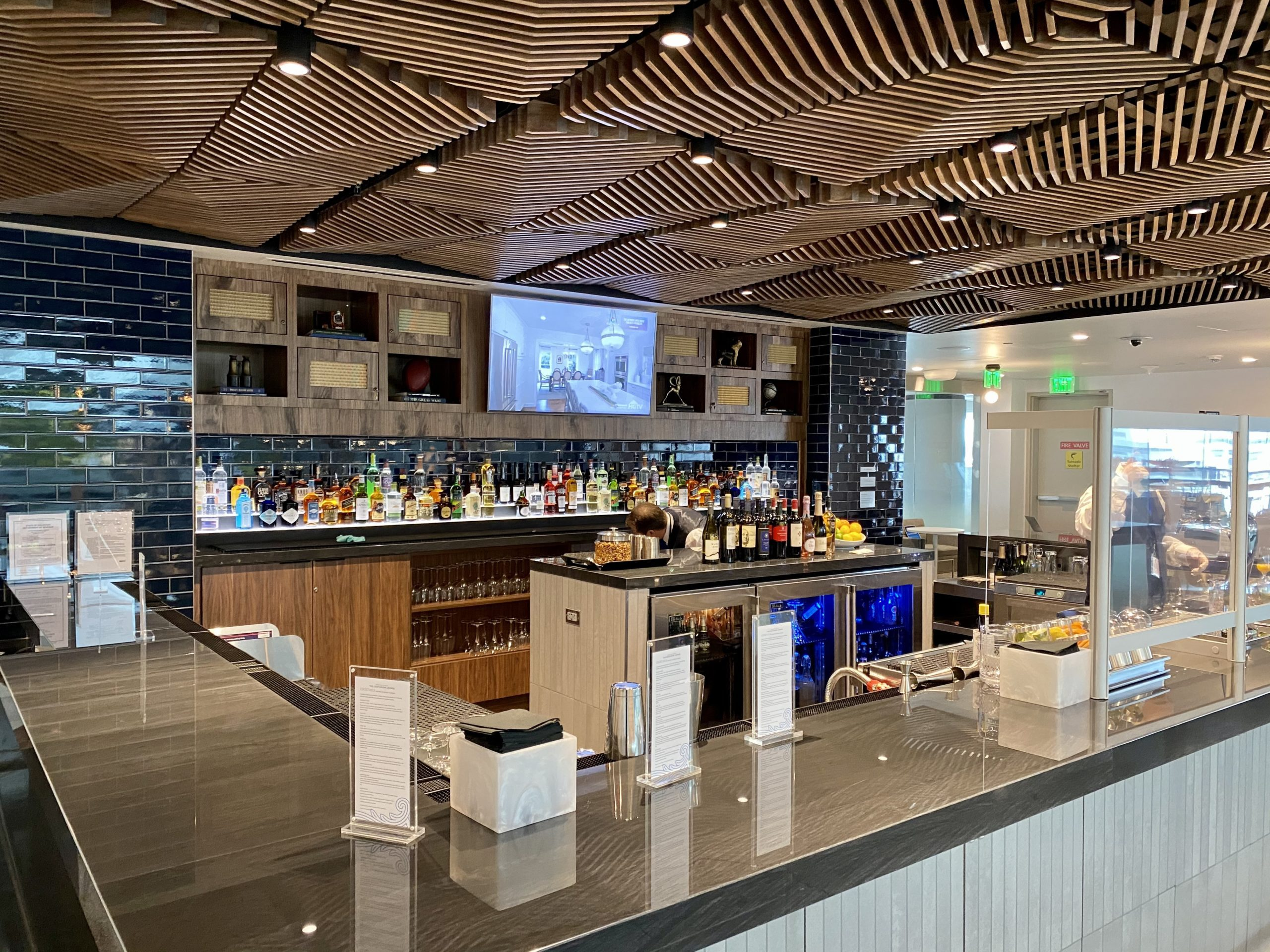 denver centurion lounge bar