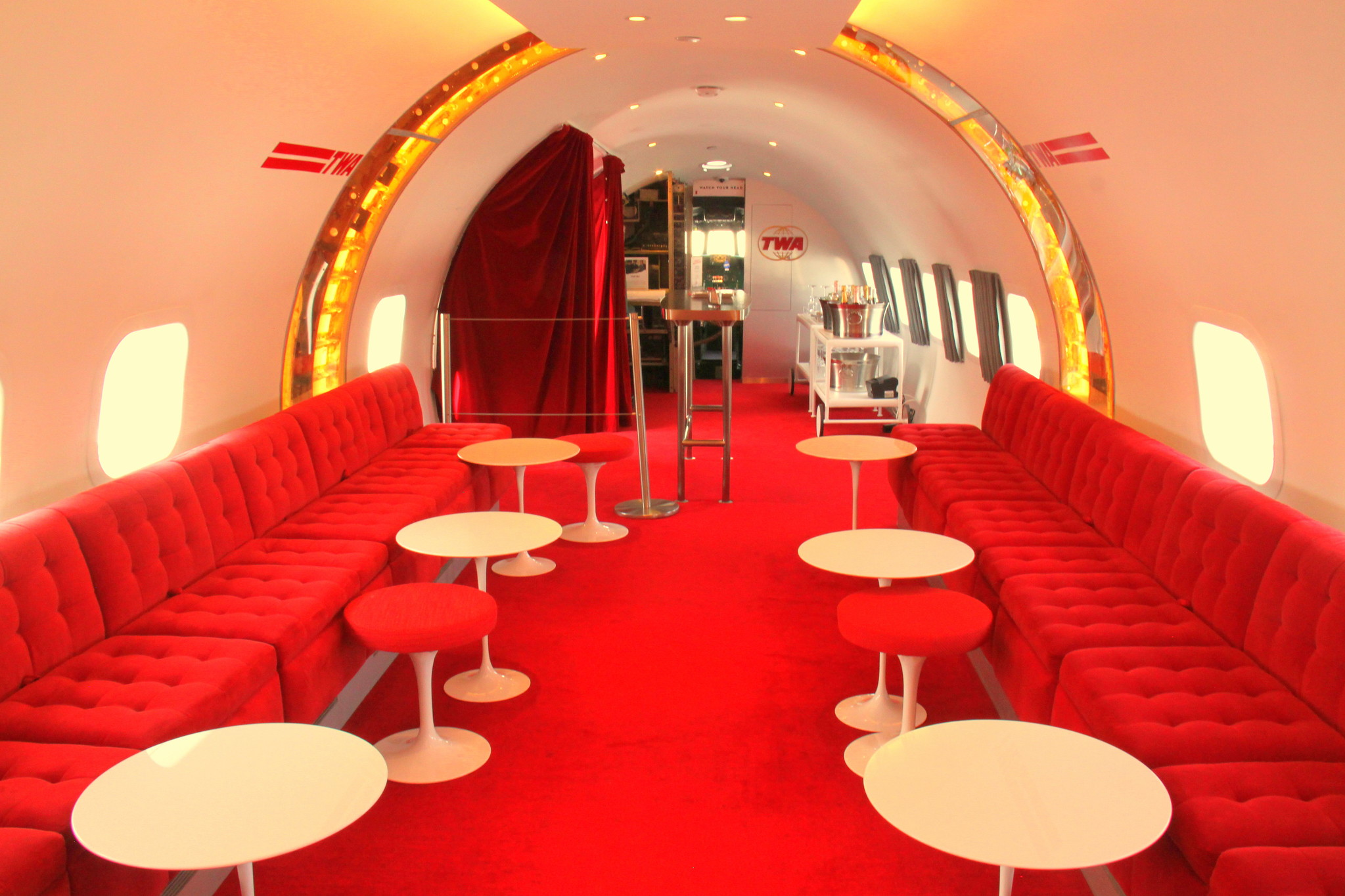 twa hotel connie bar