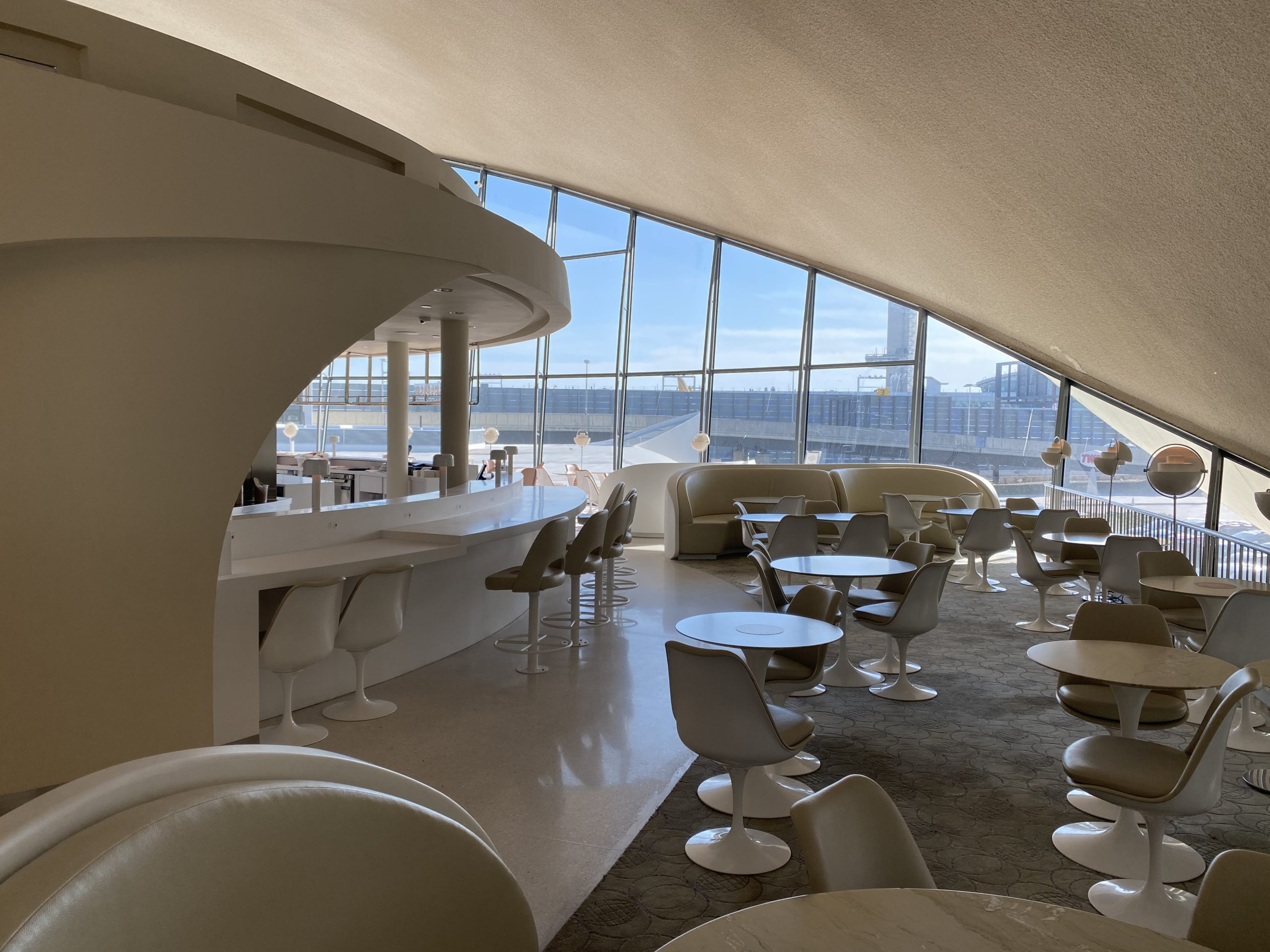 twa hotel paris cafe