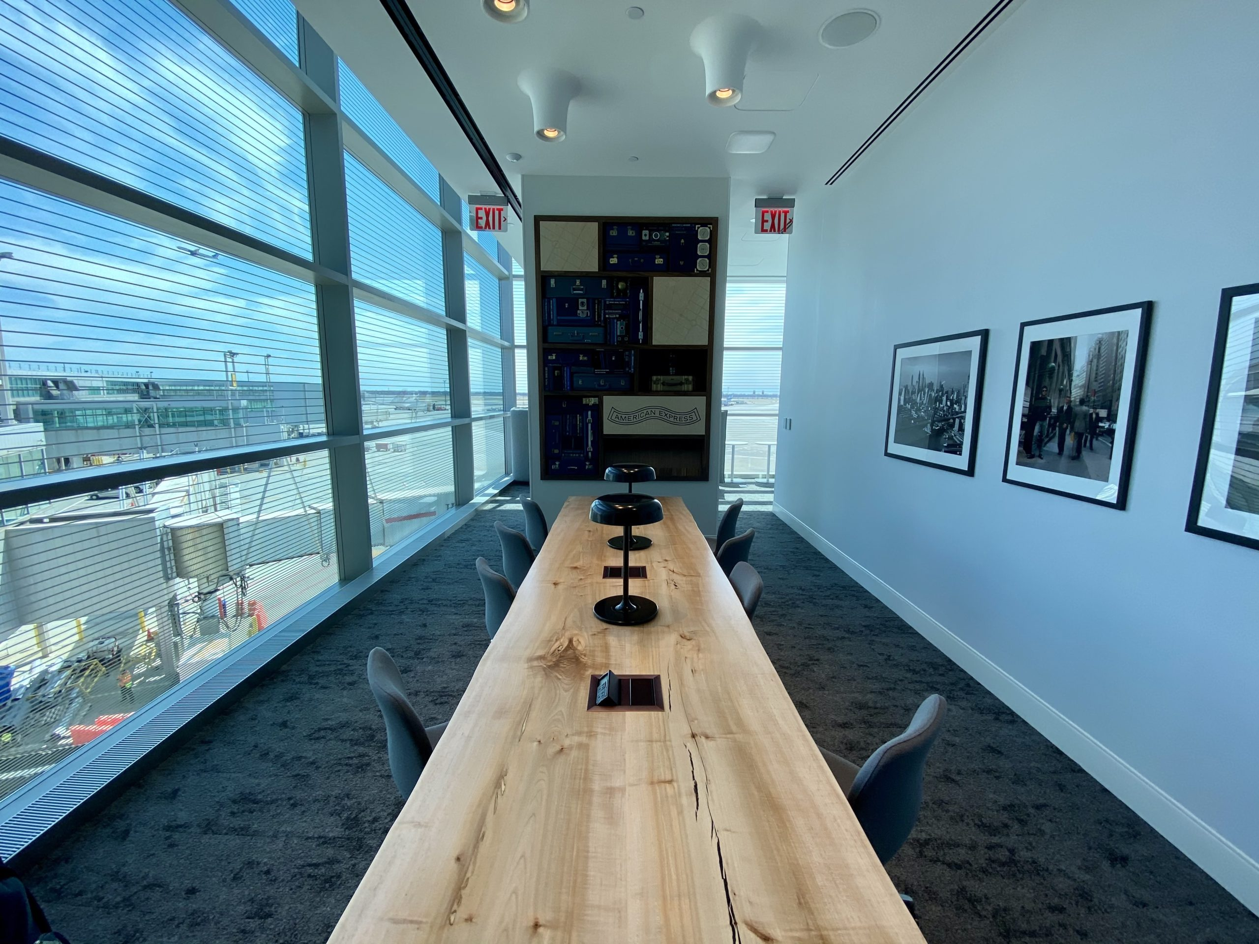 jfk centurion lounge work space