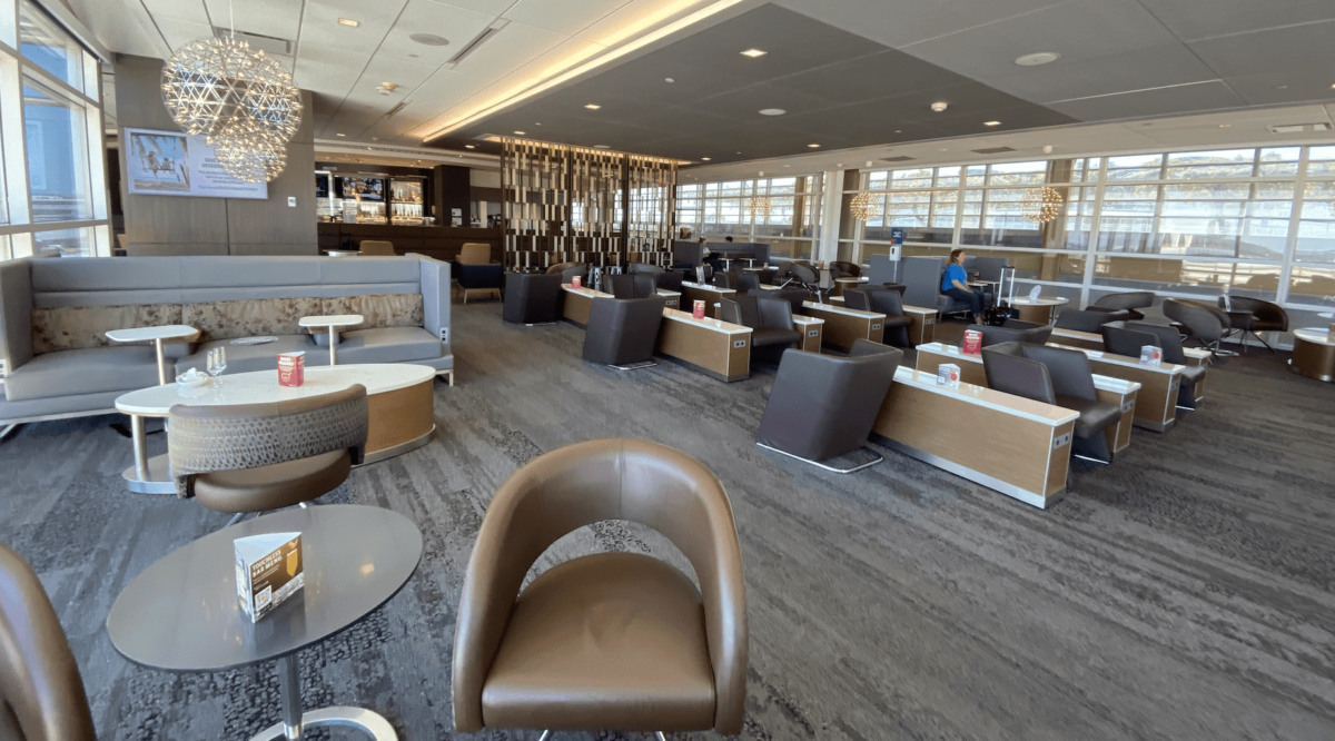 A Quaint Jewel: Review of the Delta Sky Club at DCA in Washington, D.C.